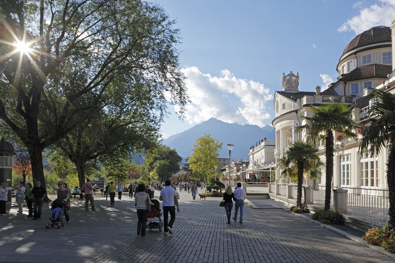 Italien, Südtirol, Meran, Promenade, am Kurhaus,